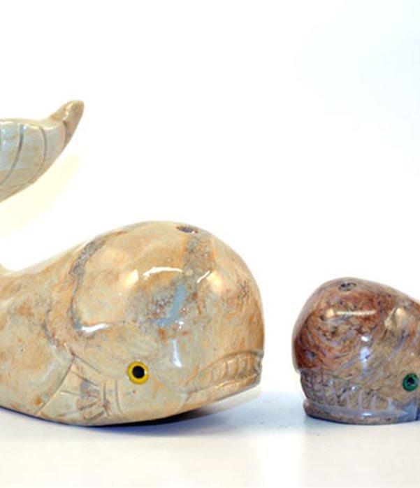 Balena in pietra steatite. provenienza peru'.