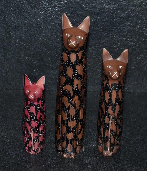 Gatto color rosso/nero
